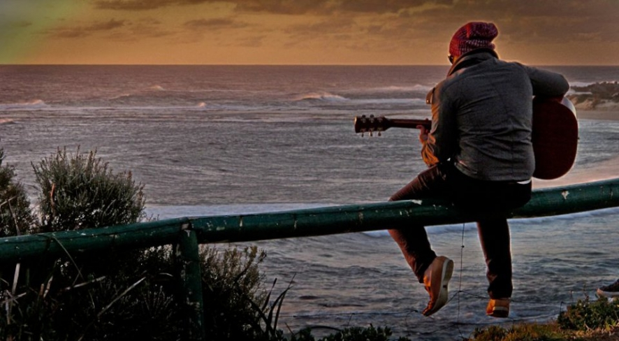 Solo Rocking at Surfers Point