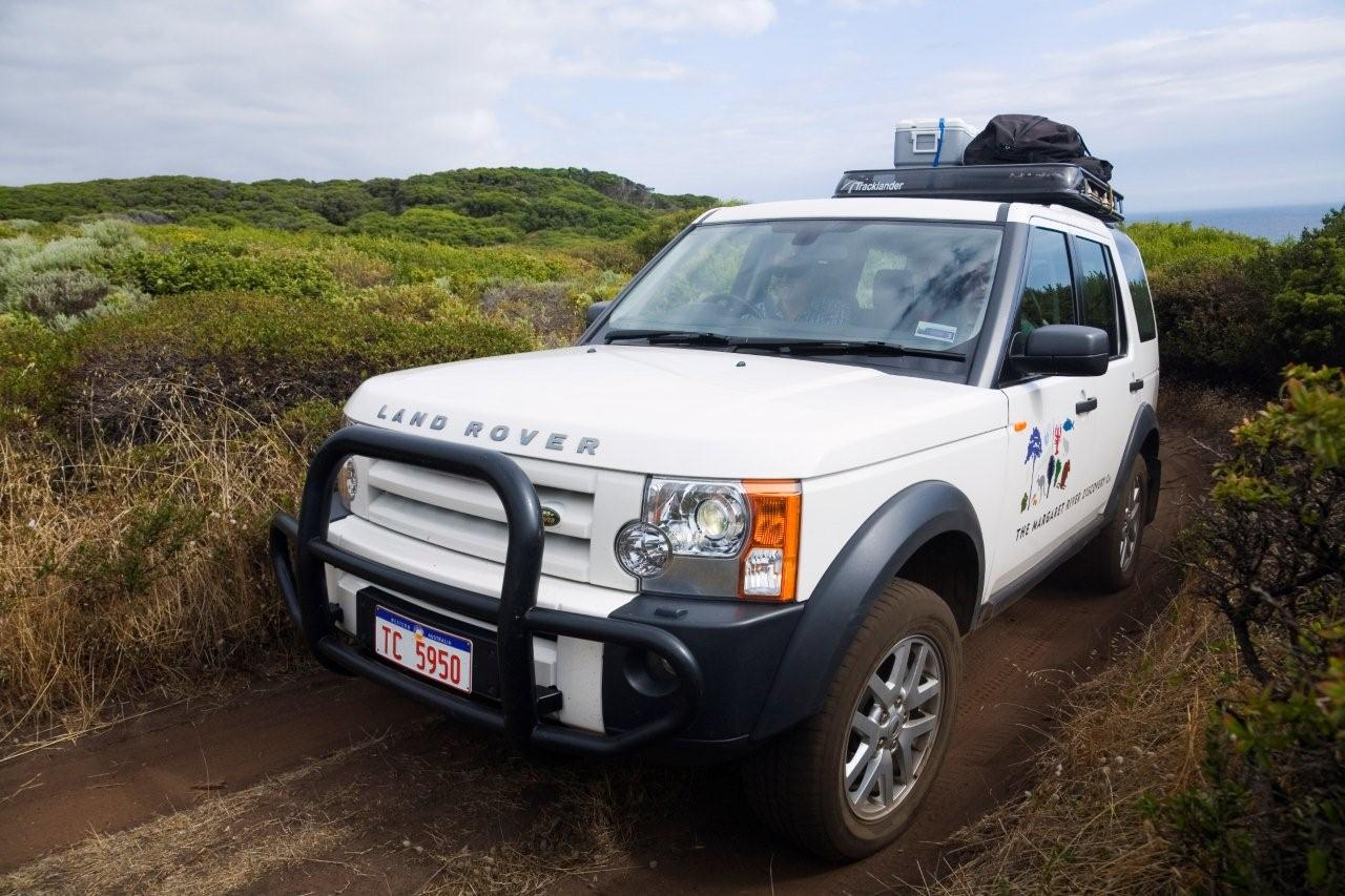 Personalised Margaret River touring in a luxury Landrover Discovery